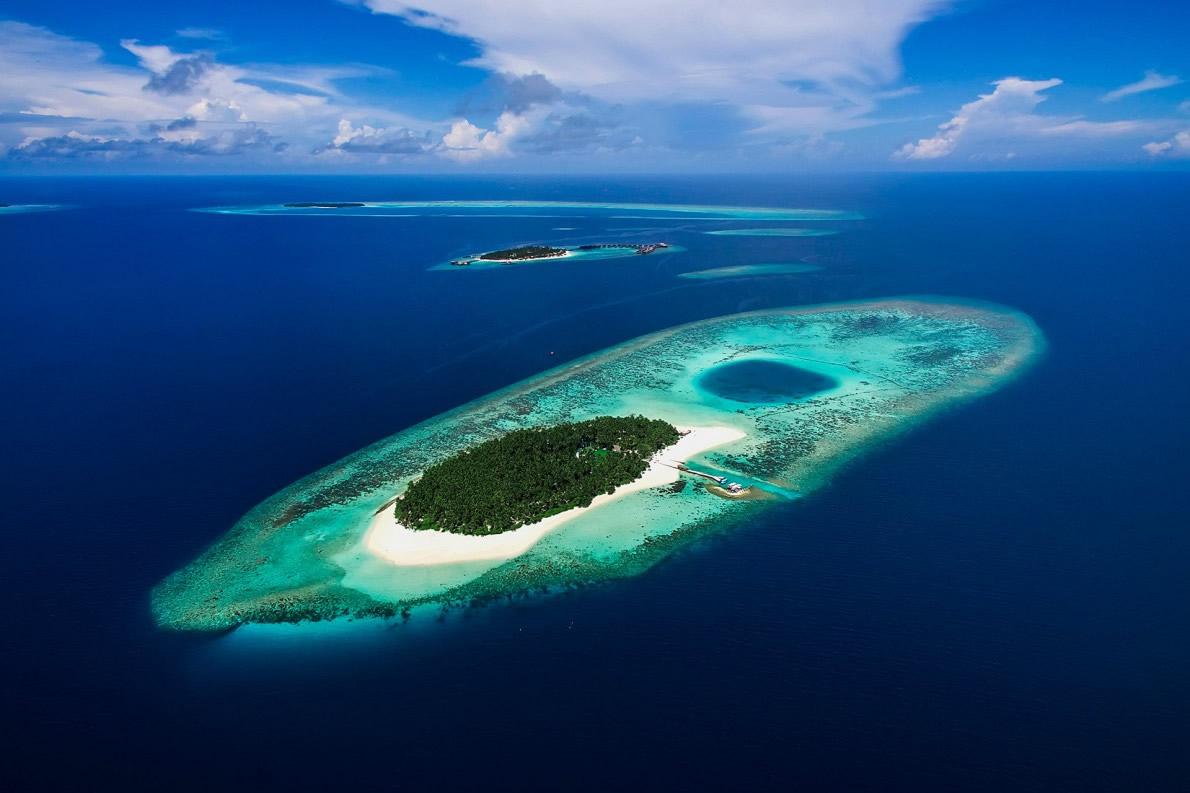 discover maldives' atolls