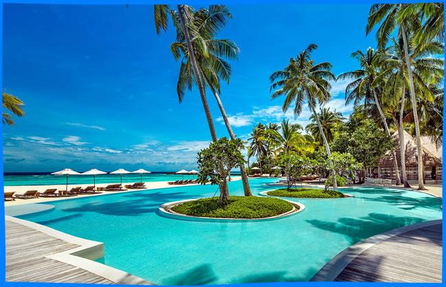 COMO Maalifushi beach swimming pool