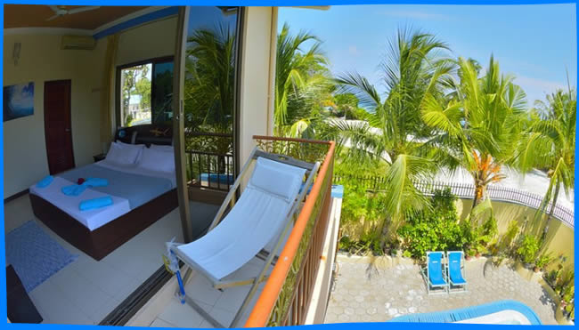 Offering a sun terrace and a private beach area, Shamar Guesthouse & Dive is set in Maamigili. Guests can enjoy the on-site restaurant.