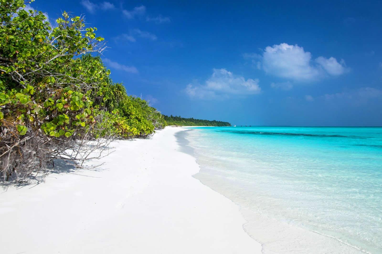 красивый пляж на Fulhadhoo (Фуладу)