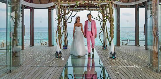 Jumeirah Vittaveli Open Overwater Fairy-tale Wedding Pavilion