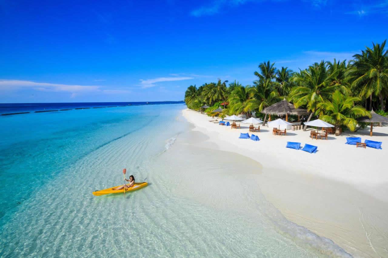 hurawalhi island beach experience