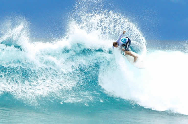 Cinnamon Dhonveli Maldives is Leading Surf Resort in South Asia