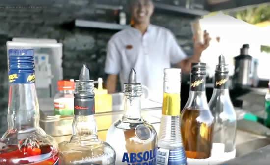 VELASSARU MALDIVES INTRODUCES NEW INFINITY POOL BAR