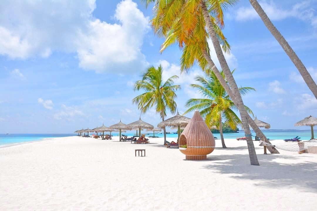Veligandu Island - the beach