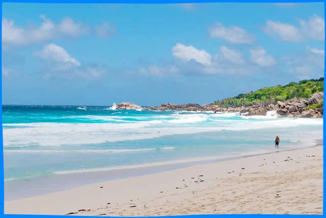 Большие ореолы на пляже фото 149-367