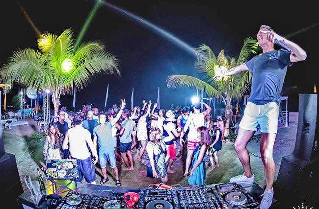 The So Sofitel Hua Hin Beach Party