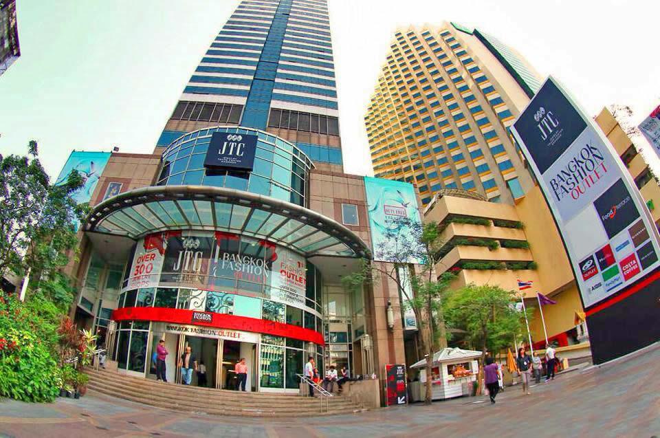 d6e4b58a Bangkok Fashion Outlet - Дисконт Центр в Силоме