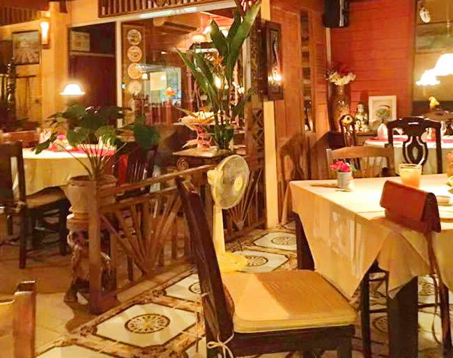 ресторан Au Bon Coin Pattaya загородный французский